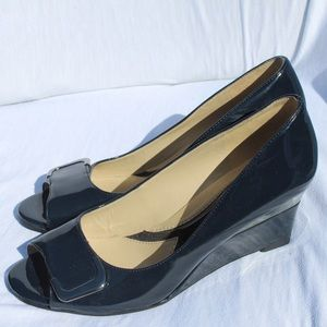 Like New. Naturalizer Navy Patent Leather Wedges